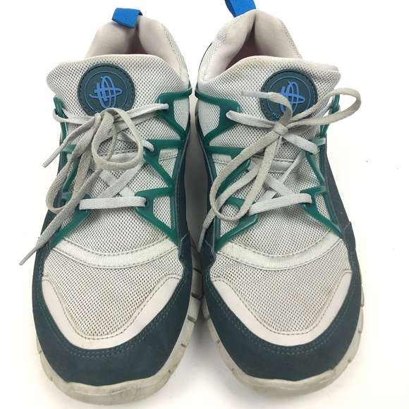 11 8 Shoes Size 11 US Men Women Nike Air Huarache Campfire